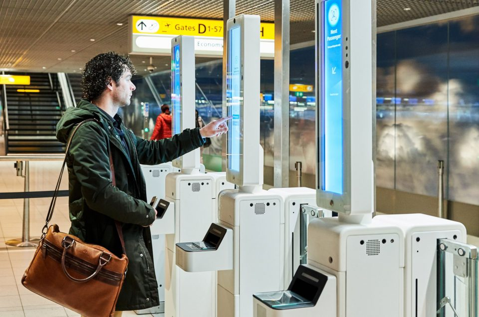 SCHIPHOL AIRPORT TRIALS FACIAL RECOGNITION BOARDING FOR CATHAY PACIFIC PASSENGERS