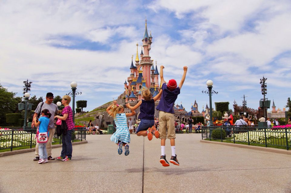 To Paris with a child – how to organize a fun trip for the whole family